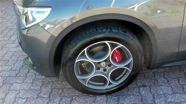 Alfa Romeo Stelvio 2.2 Turbo Diesel-2