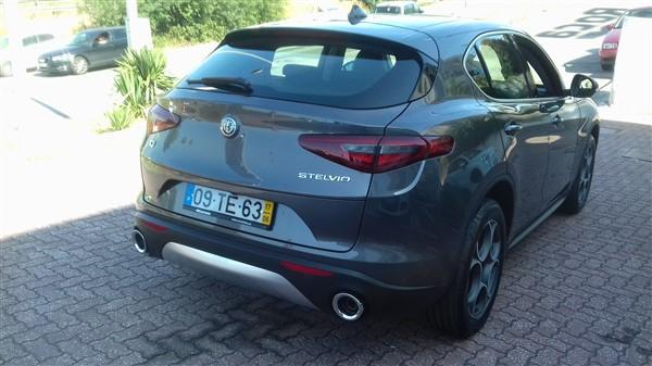 Alfa Romeo Stelvio 2.2 Turbo Diesel-3