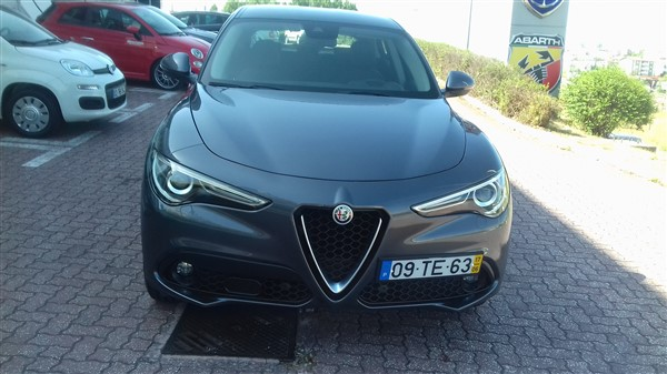 Alfa Romeo Stelvio 2.2 Turbo Diesel-4