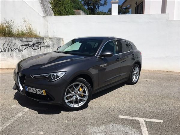 Alfa Romeo Stelvio-4