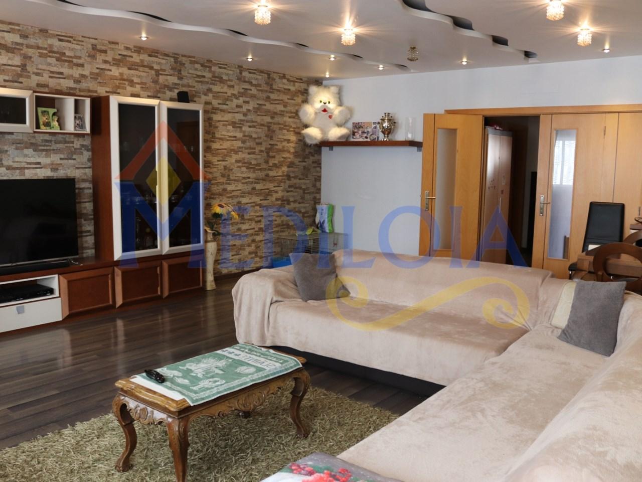 Apartamento T3 com pátio e churrasqueira