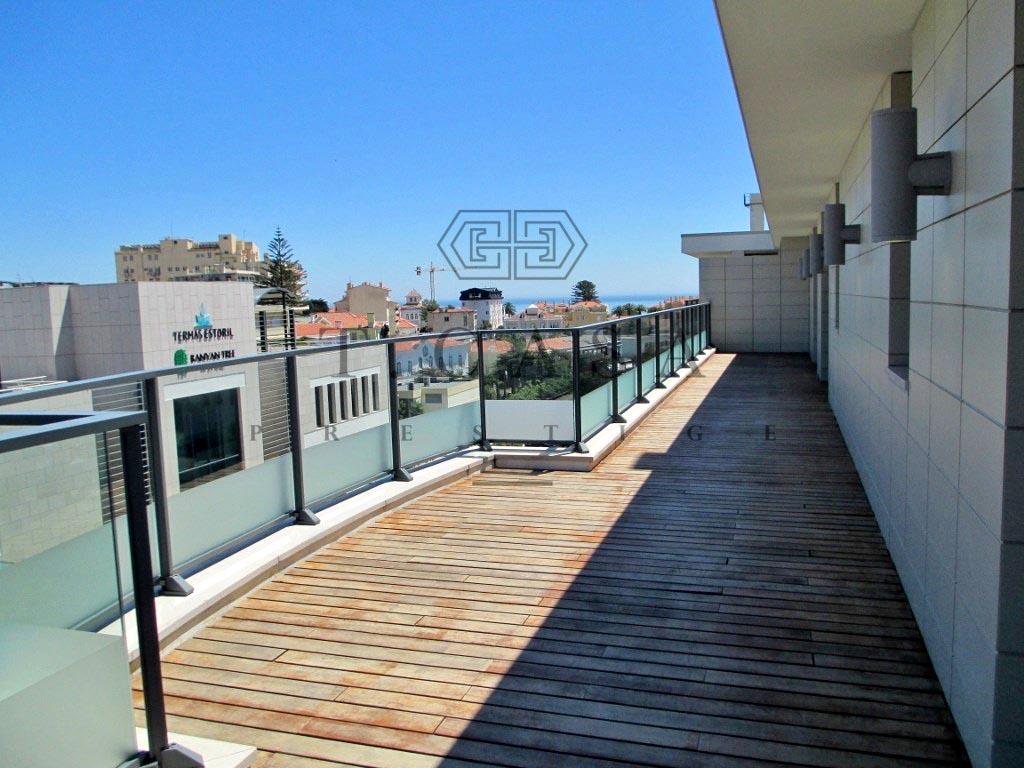 Apartamento T3 Duplex - Estoril-13