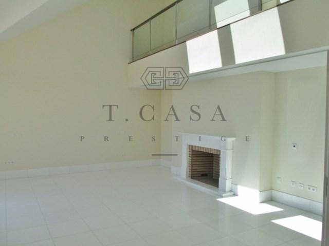 Apartamento T3 Duplex - Estoril-5