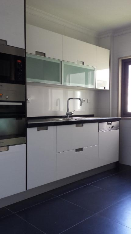 Apartamento T4 - Campo Pequeno-2