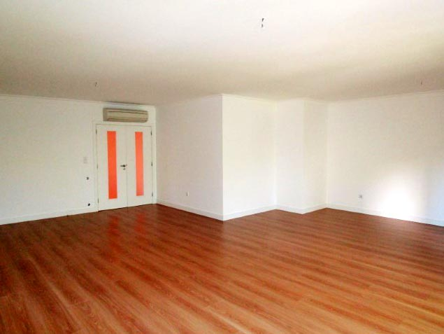 Apartamento T4 - Campo Pequeno-3