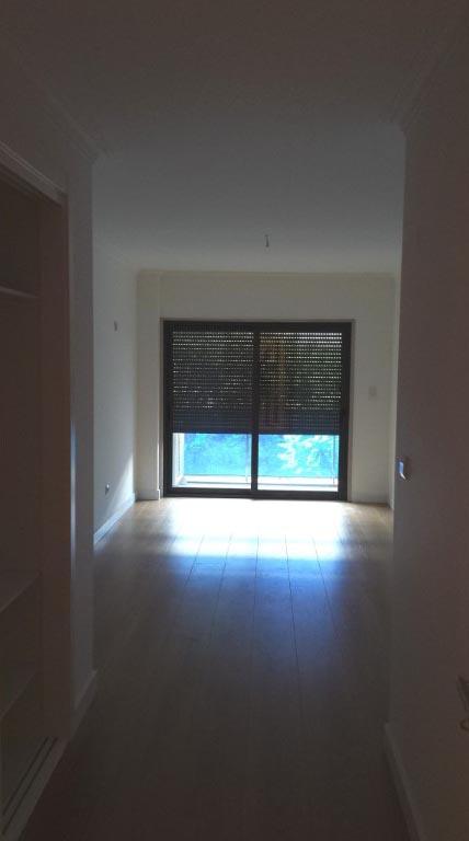 Apartamento T4 - Campo Pequeno-4