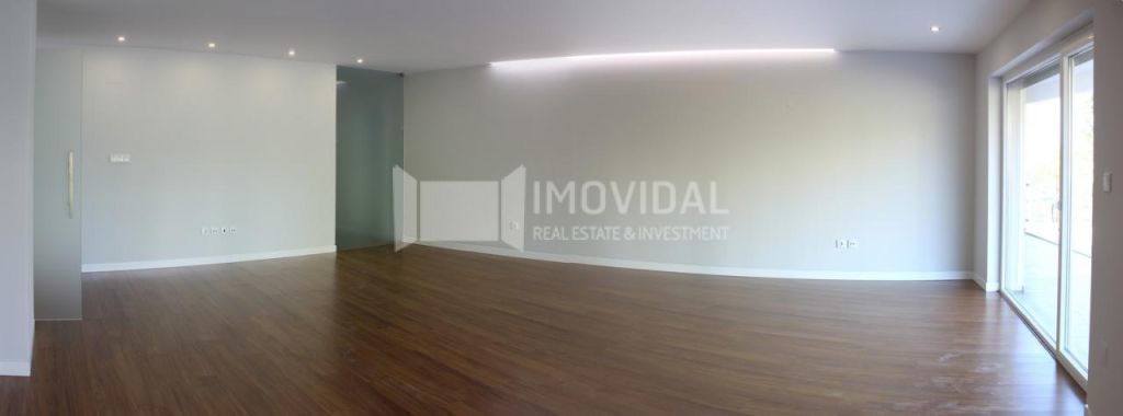 Apartamento T4 - Condomínio - Oeiras-1