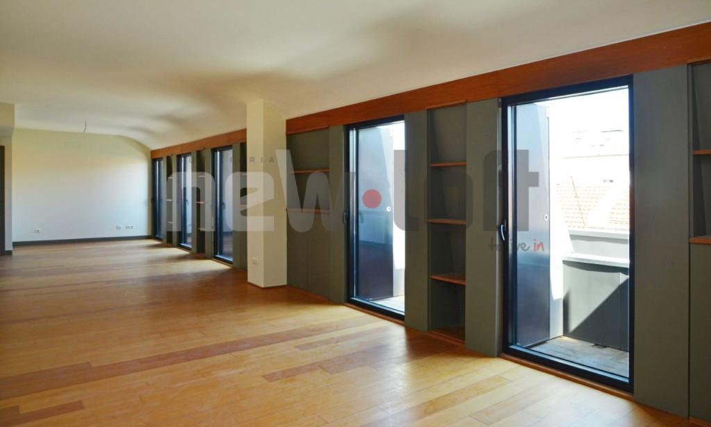 Apartamento T4 - Lapa-4