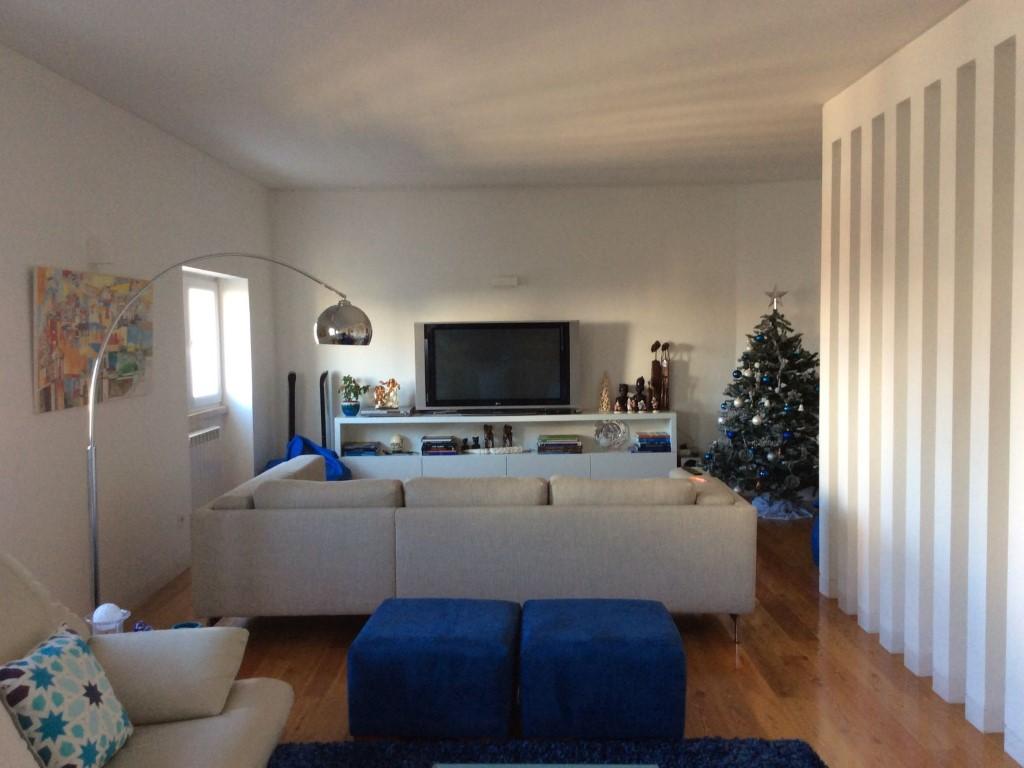 Apartamento T4 - Praça Duque de Saldanha-1