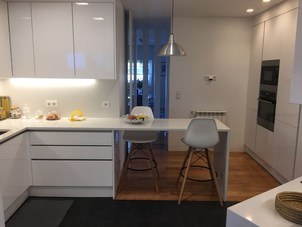 Apartamento T4 - Praça Duque de Saldanha-6