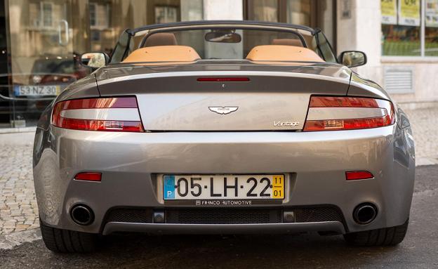 Aston Martin V8-4
