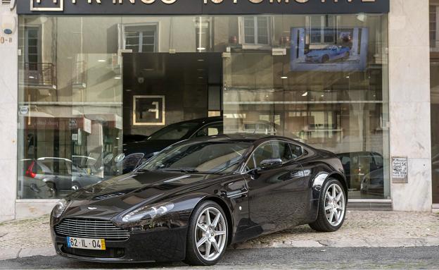 Aston Martin V8 Vantage Coupe-2