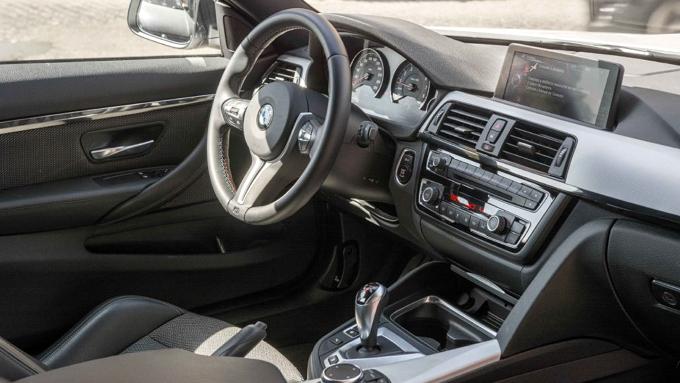 BMW M4-1