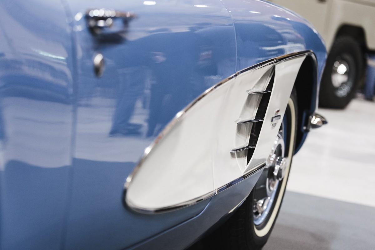 Chevrolet Corvette C1 Roadster-3