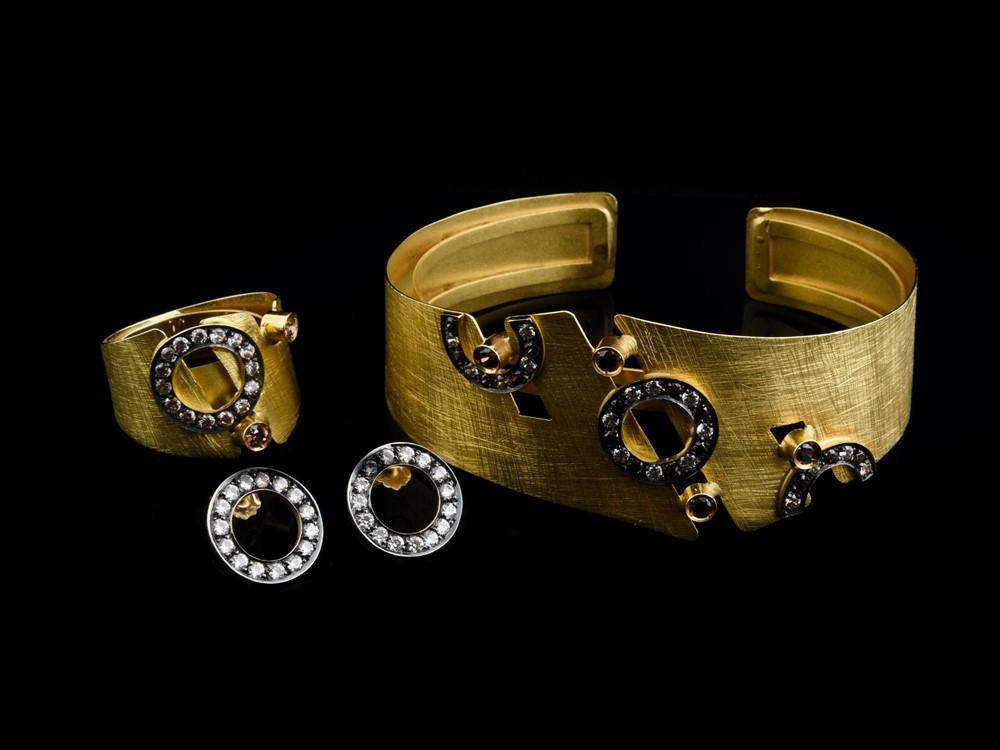 Escrava em Ouro - Ref. 690304-1