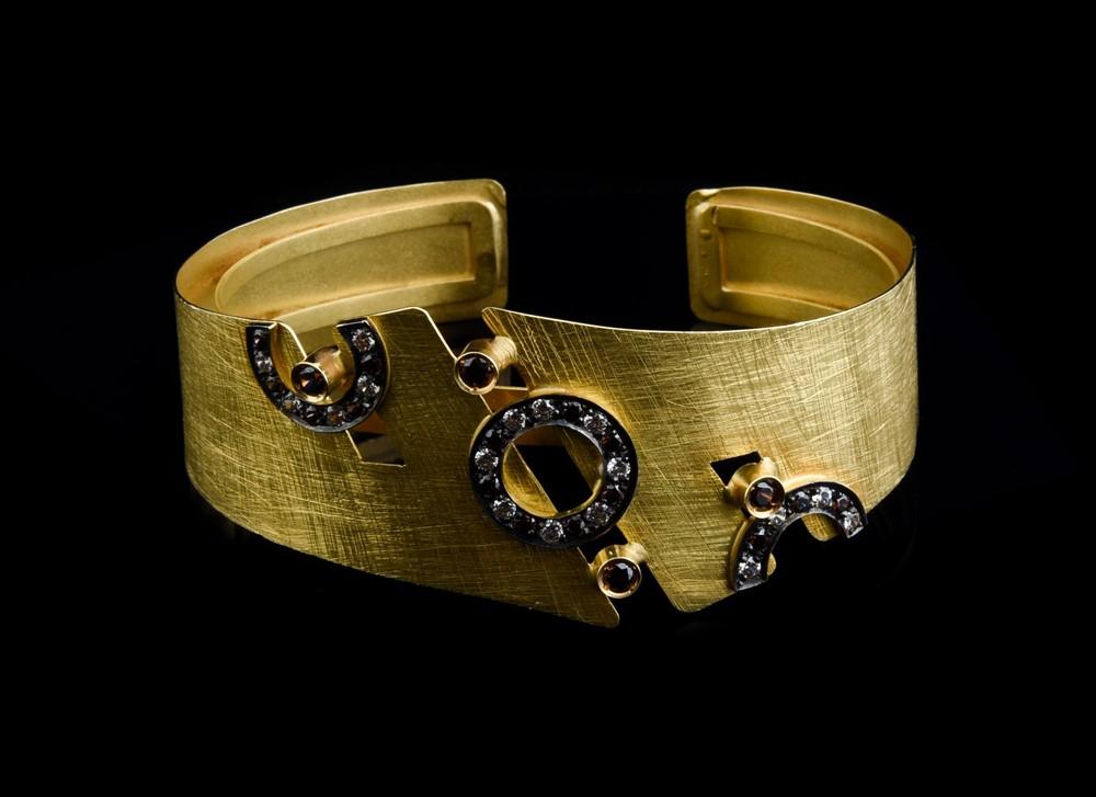 Escrava em Ouro - Ref. 690304