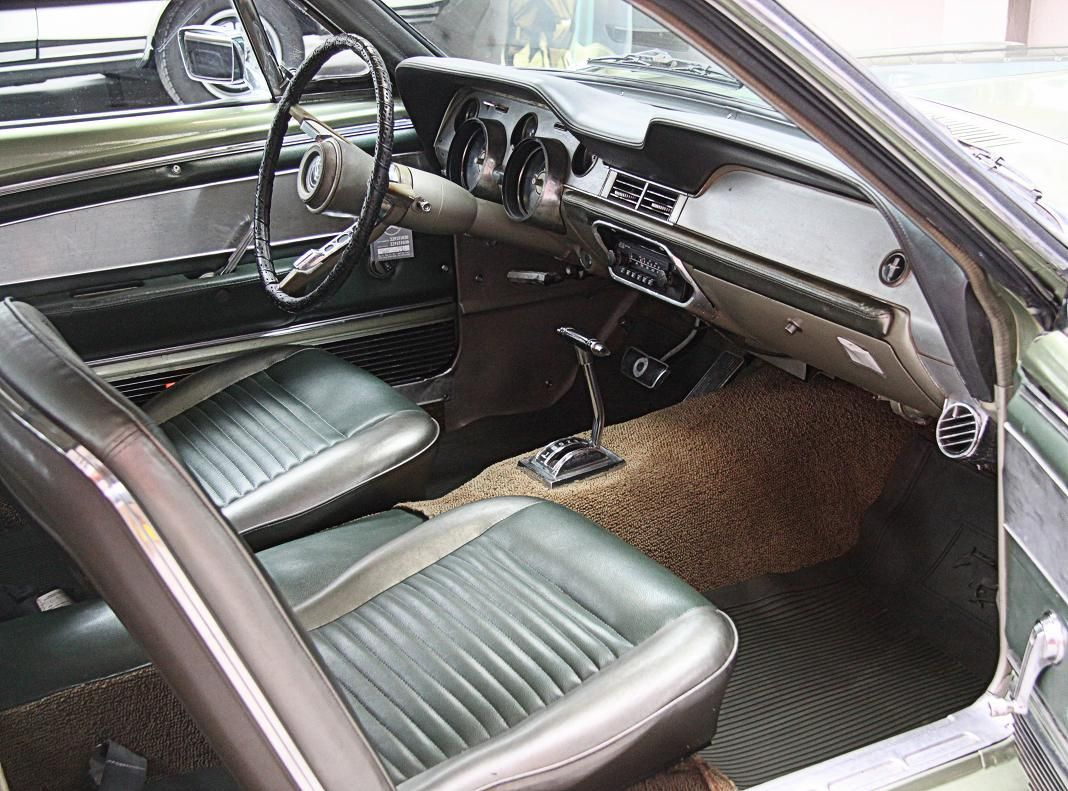 Ford Mustang V8-1