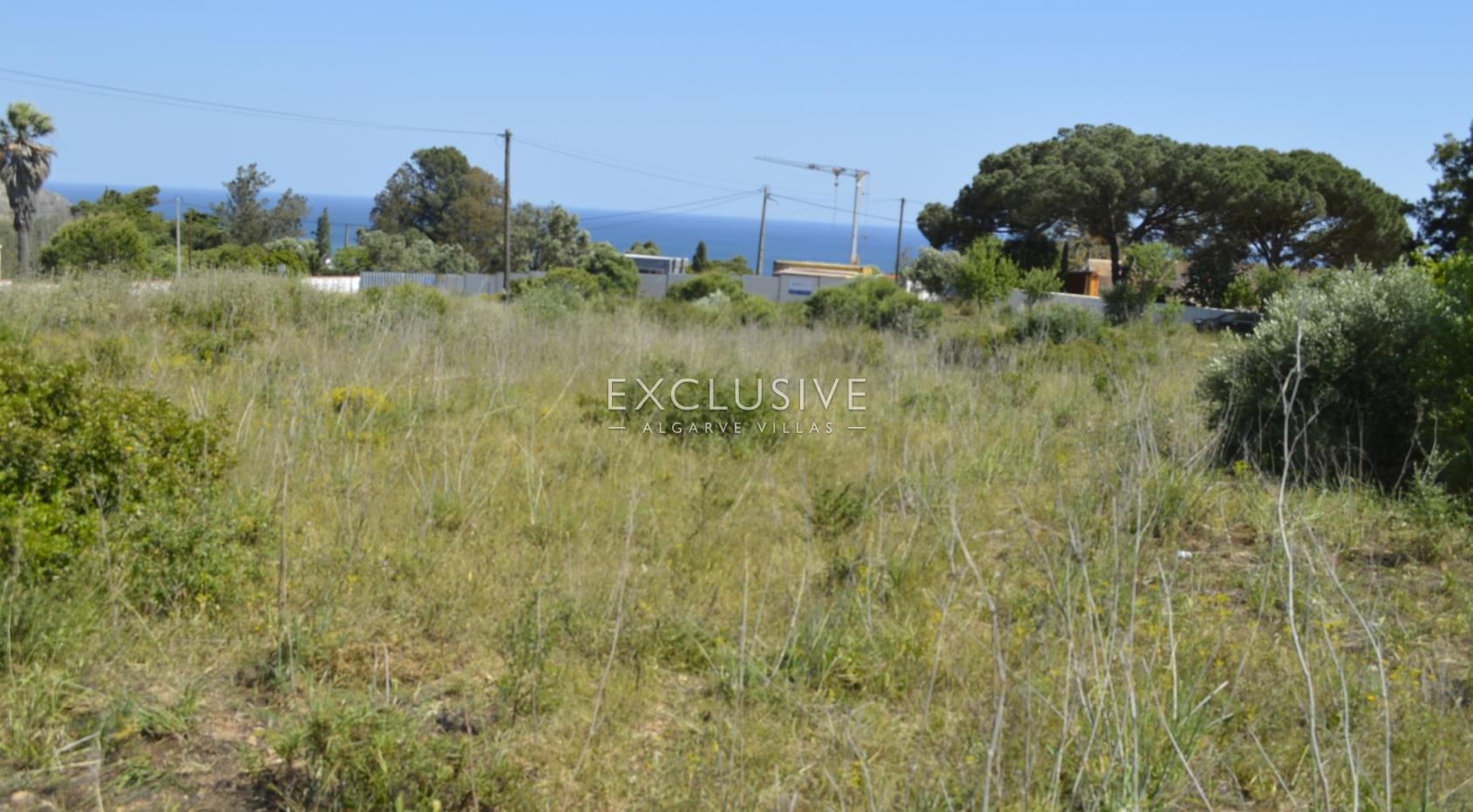 Grande lote de terreno com vista mar para venda na Luz Lagos, Algarve_1