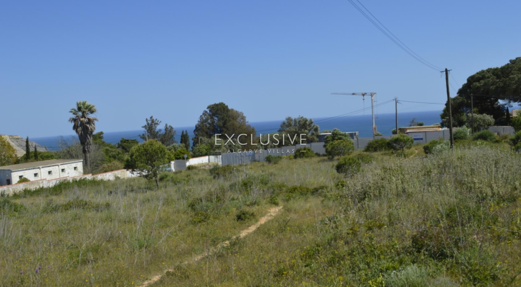 Grande lote de terreno com vista mar para venda na Luz Lagos, Algarve_2