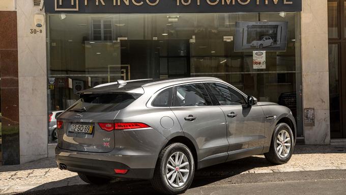 Jaguar F-Pace 2.0 D-1