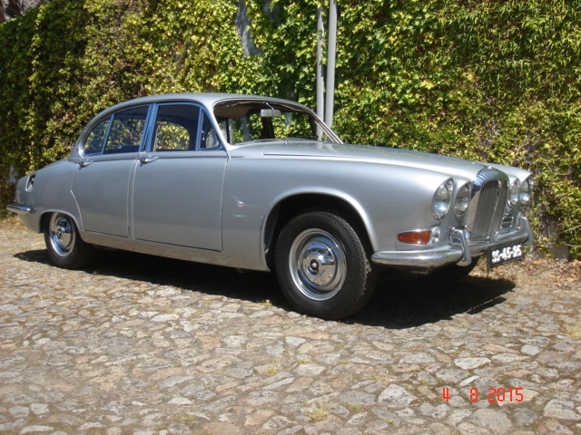 Jaguar MK 420