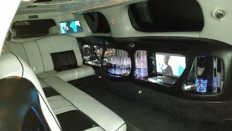 Lincoln Town Car Limousine-2