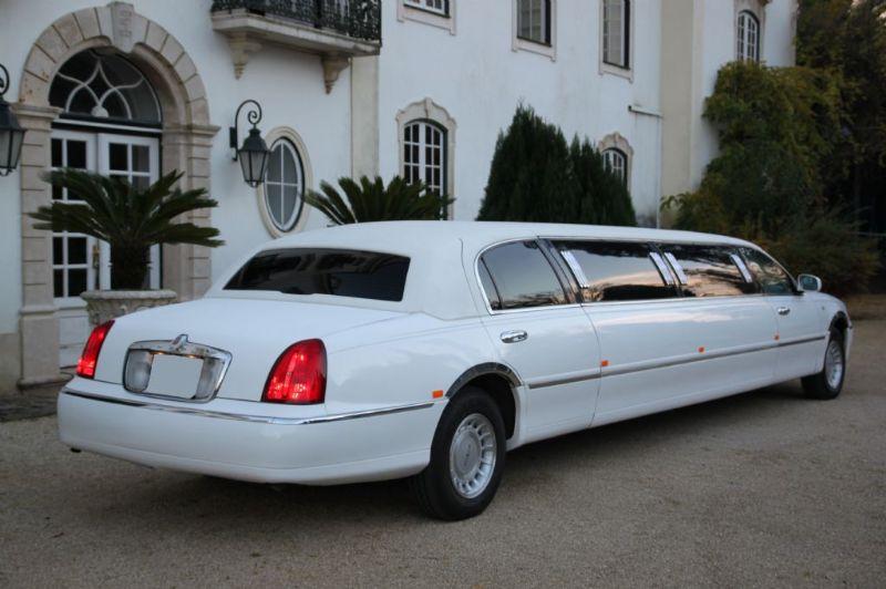 Lincoln Town Car Limousine-4