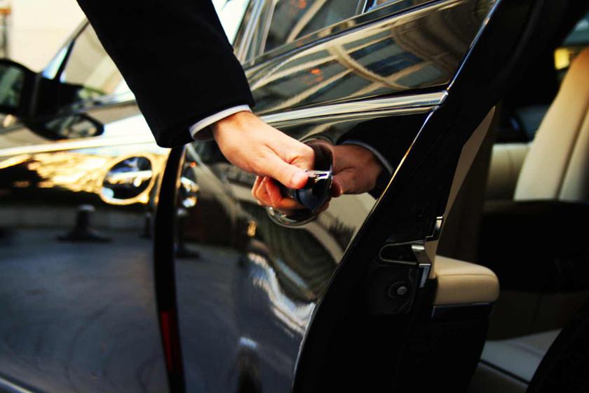 lux car rental