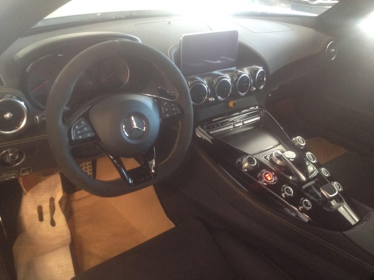Mercedes Benz AMG GT R-1