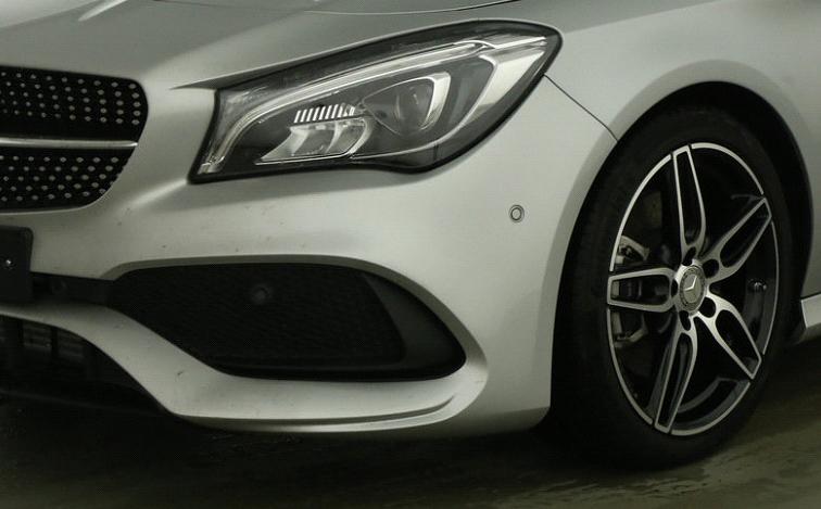 Mercedes-Benz CLA 220 d Coupé AMG Line-2