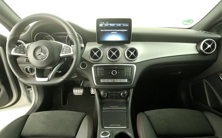 Mercedes-Benz CLA 220 d Coupé AMG Line-3