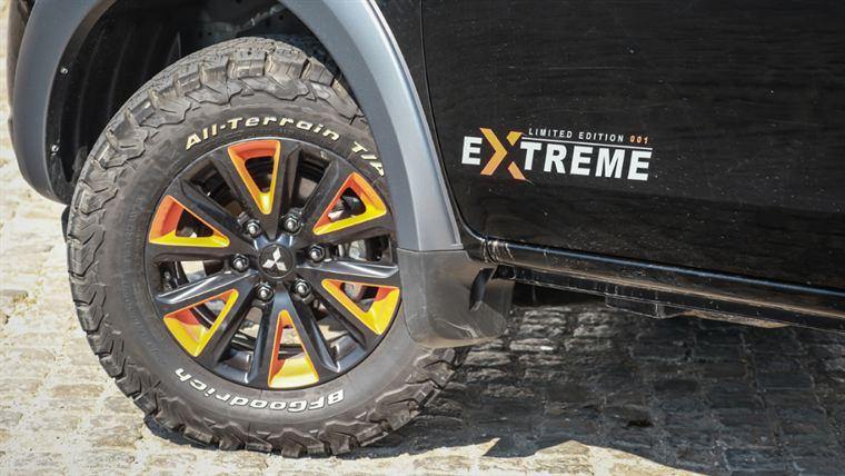 Mitsubishi L200 Strakar Extreme 009