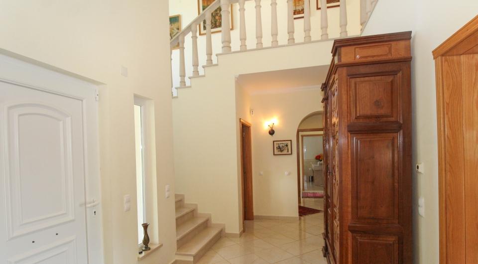 Moradia de boa construção com 4 quartos, com vista mar à venda em L_6