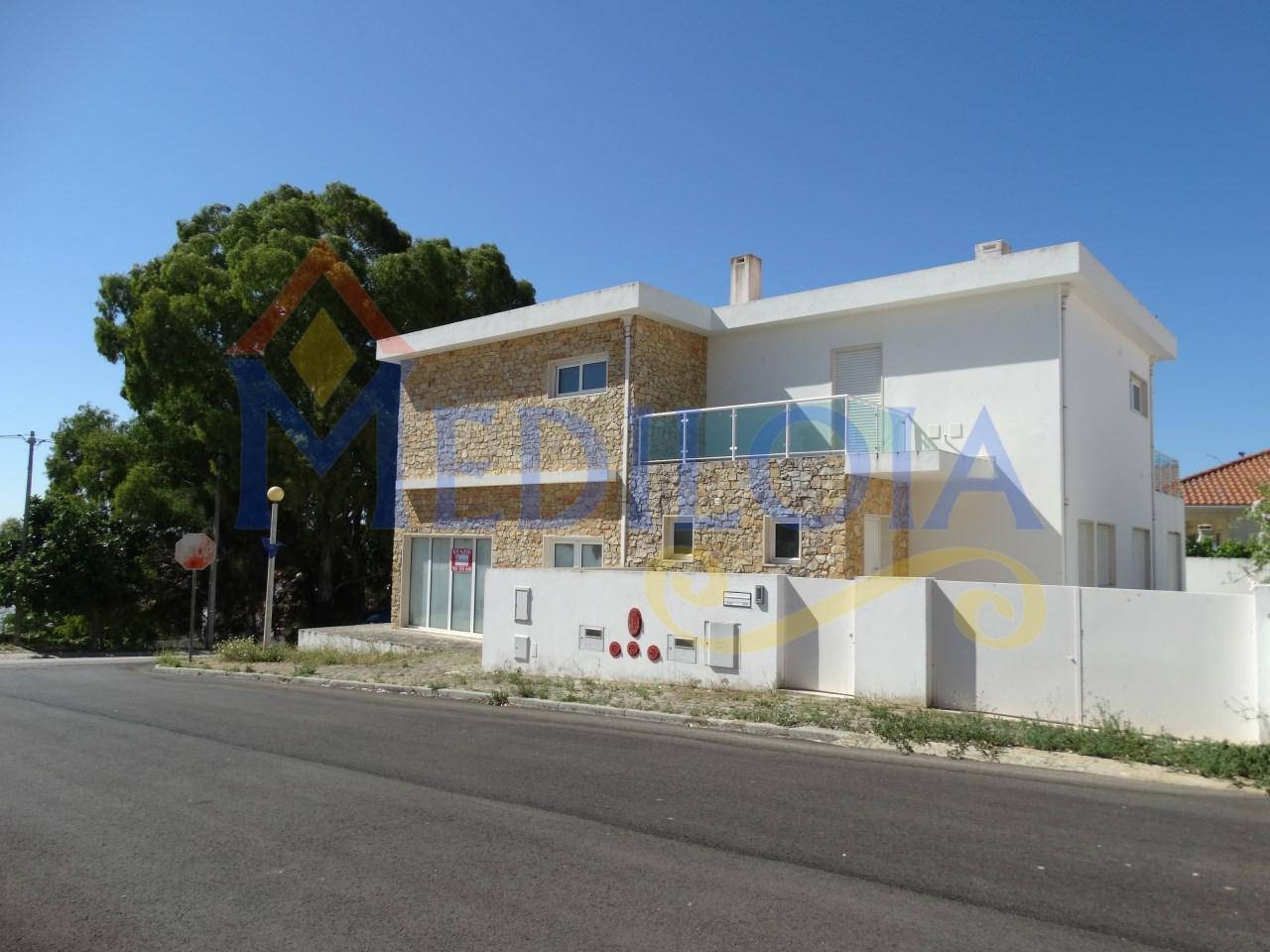 Moradia moderna T5 em Castro Marim