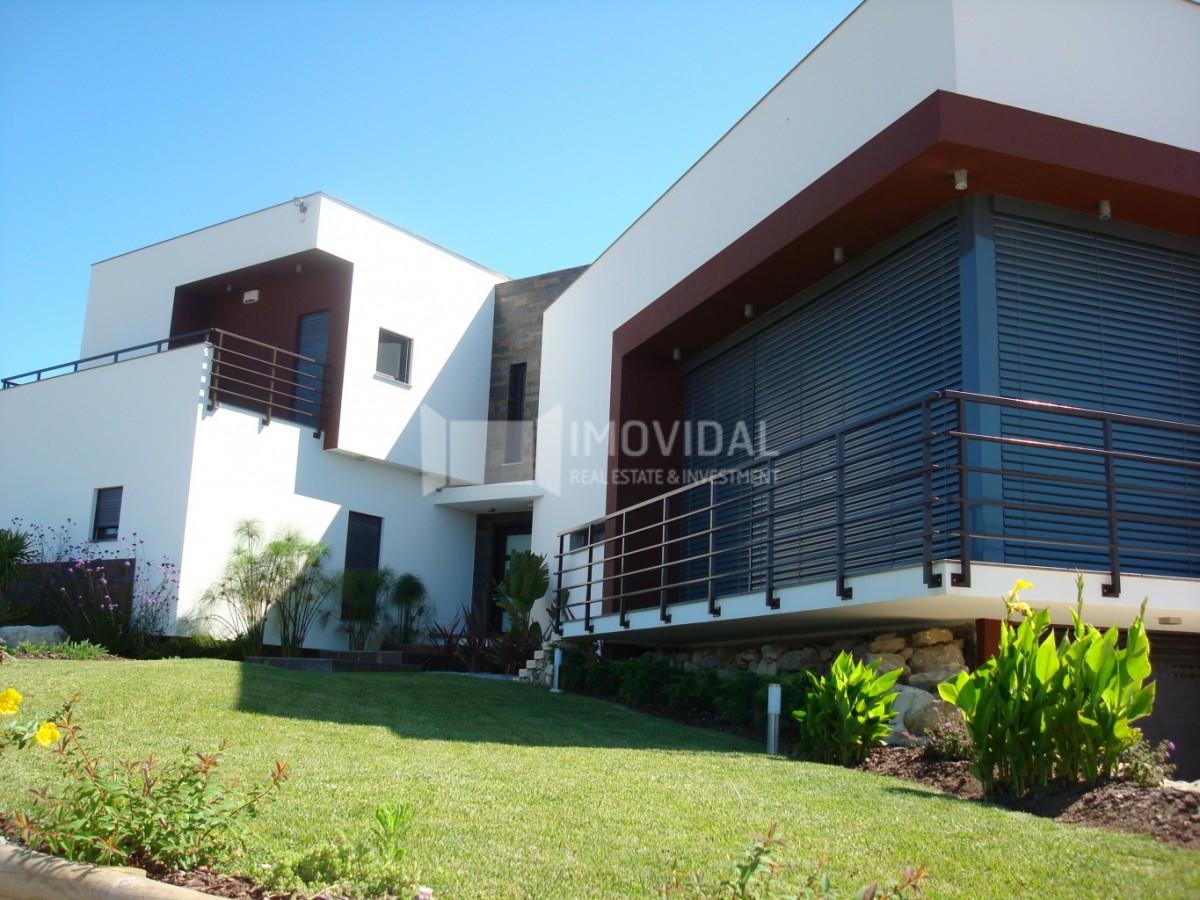Moradia T4 - Belas Campo