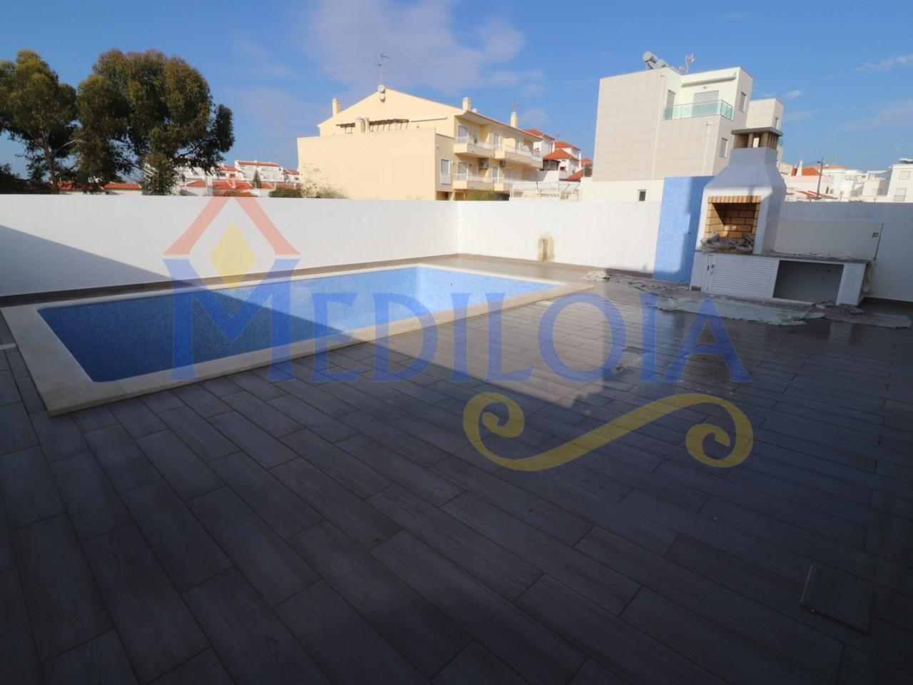 Moradia T4 com piscina- Castro Marim