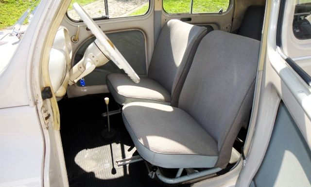 Renault 4 CV-5