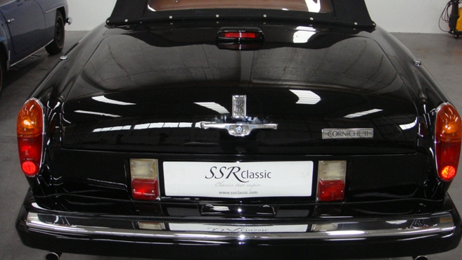 Rolls Royce Corniche II-3