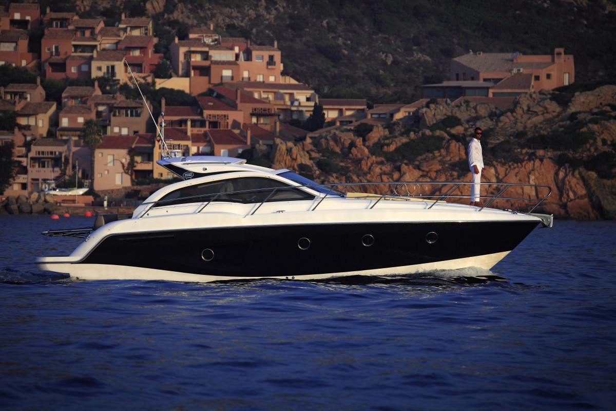 Sessa C38 Cruiser Line