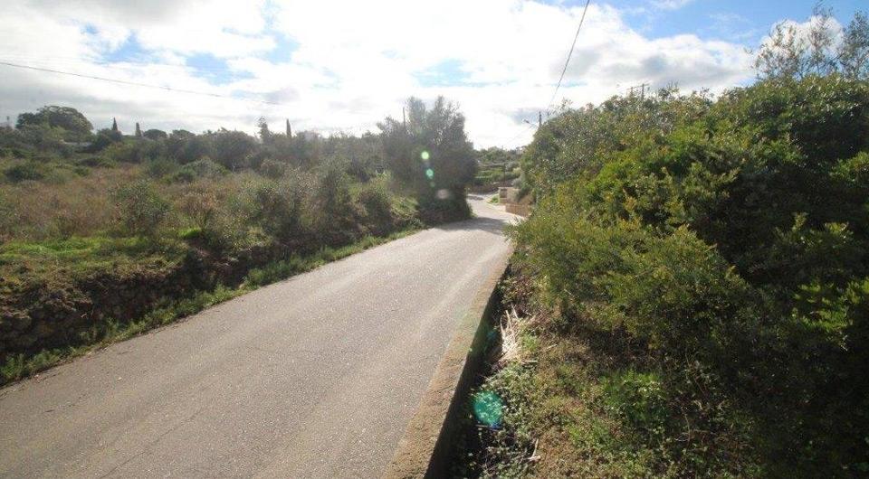 Terreno com viabilidade para construção de 4 moradias no Carvoeiro _1