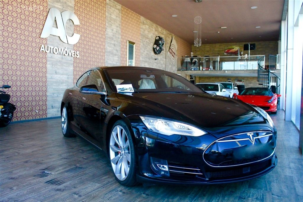 Tesla Model S P 85 PERFORMANCE