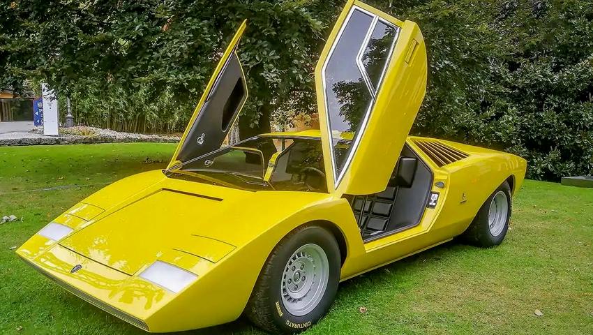 Lamborghini Countach reconstruído em 25.000 horas